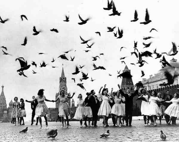 ВЛАДИМИР ЛАГРАНЖ Голуби мира. 1962