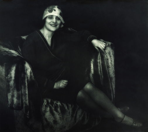 GEORGE Soshalskaya In the chair . 1927