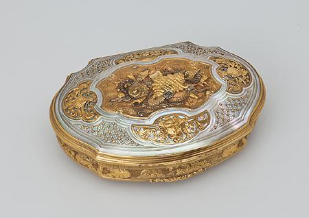 Табакерка с изображениями раковин и кораллов. 1720–30-е