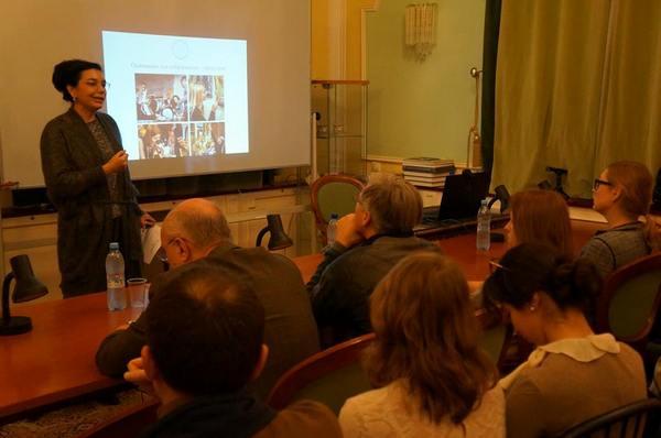 08965141a032 ... Аудитория Института арт-бизнеса и антиквариата. Источник   facebook.com artinstitut.ru