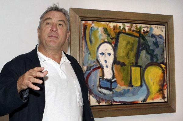 Роберт де Ниро у картины «Бюст на столе и желтый стул», написанной его отцом