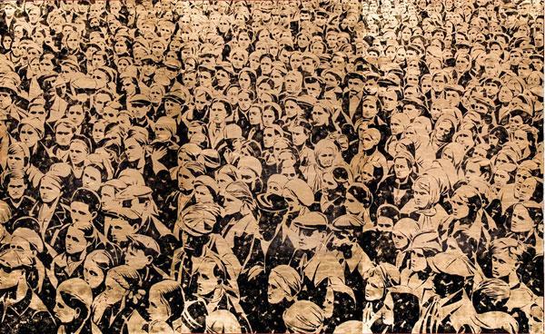АЛЕКСЕЙ БЕЛЯЕВ-ГИНТОВТ Братья и Сестры. 2008. Холст, ручная печать, сусальное золото, черная типографская краска. 270 х 450. Сourtesy частная коллекция