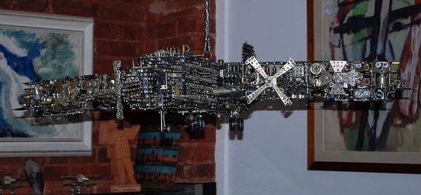 Скульптурный самолет Никиты Гашунина