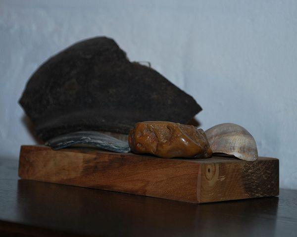 Камушки и черепки из мастерской Краснопевцева