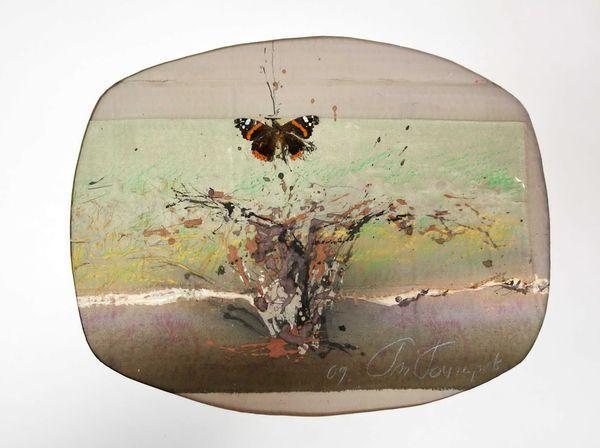 ГОНЧАРОВ ГЕННАДИЙ МИХАЙЛОВИЧ (род. 1939) Натюрморт с бабочкой. 2009