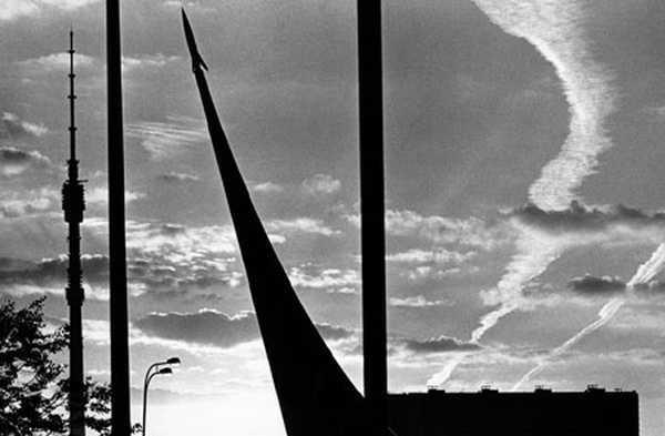 СЕРГЕЙ ЛЕОНТЬЕВ Из серии «Башня». 2001
