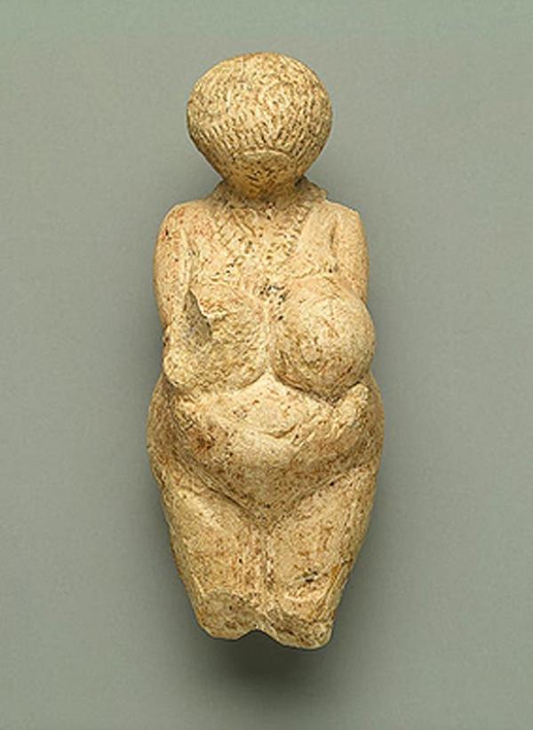 Статуэтка женская. 23 тысячи лет до н. э.