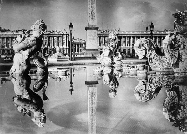 БРАССАЙ Площадь согласия. 1945