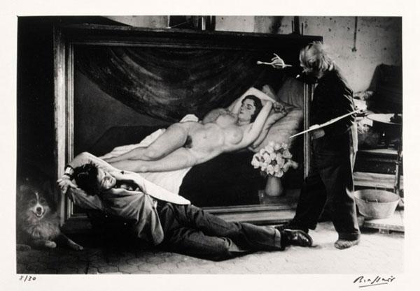 БРАССАЙ Жан Марэ позирует Пикассо. 1944