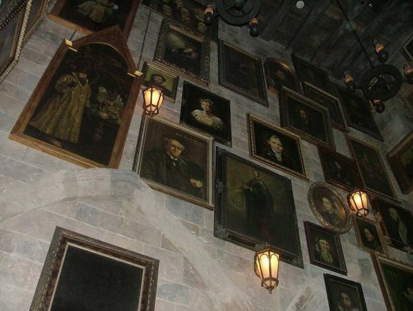 Стена Хогвартса. Фрагмент декорации к фильмам о Гарри Поттере