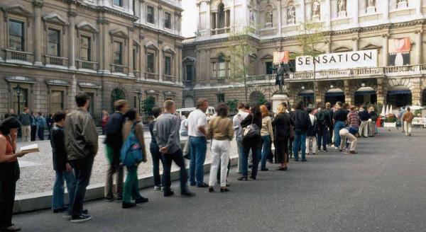 Вход на выставку «Сенсация». Королевская Академия, Лондон. 1997