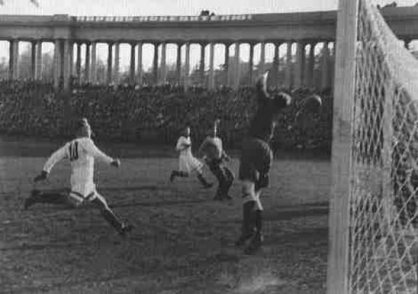 БОРИС КУДОЯРОВ Футбол. Конец 1940-х