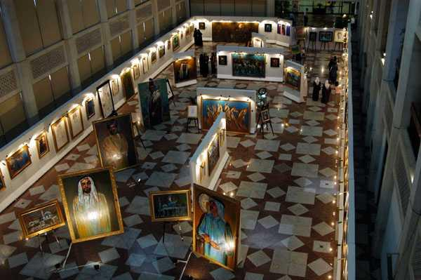 Выставка работ Эндрю Викари в  Культурном фонде Абу-Даби