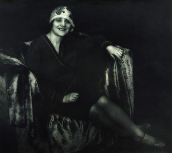 ГЕОРГИЙ СОШАЛЬСКИЙ В кресле. 1927