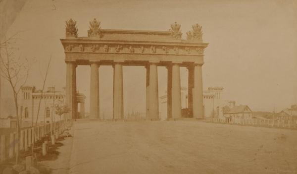 ИВАН БИАНКИ  Санкт-Петербург. Московские Триумфальные ворота, 1834–1838.