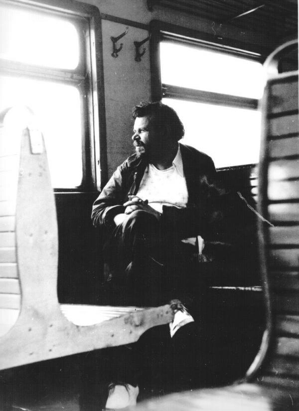 Анатолий Зверев в электричке на пути в Яхрому