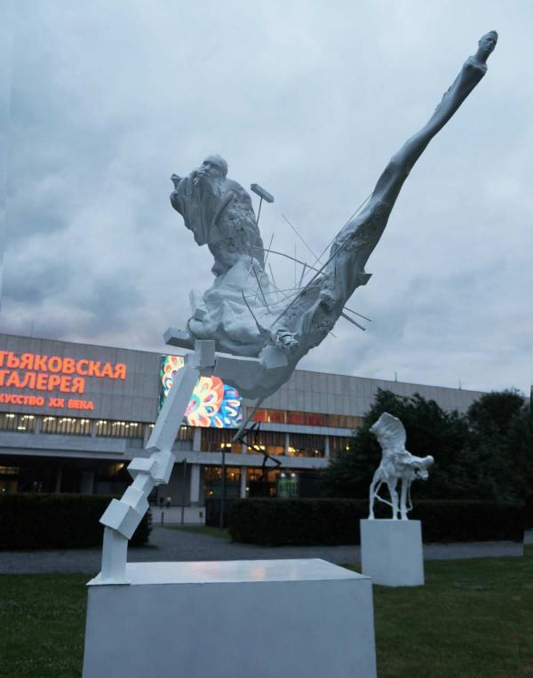 Новые скульптуры Дмитрия Каварги установлены в парке «Музеон»