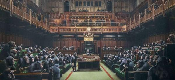 БЭНКСИ Разложившийся парламент. 2009